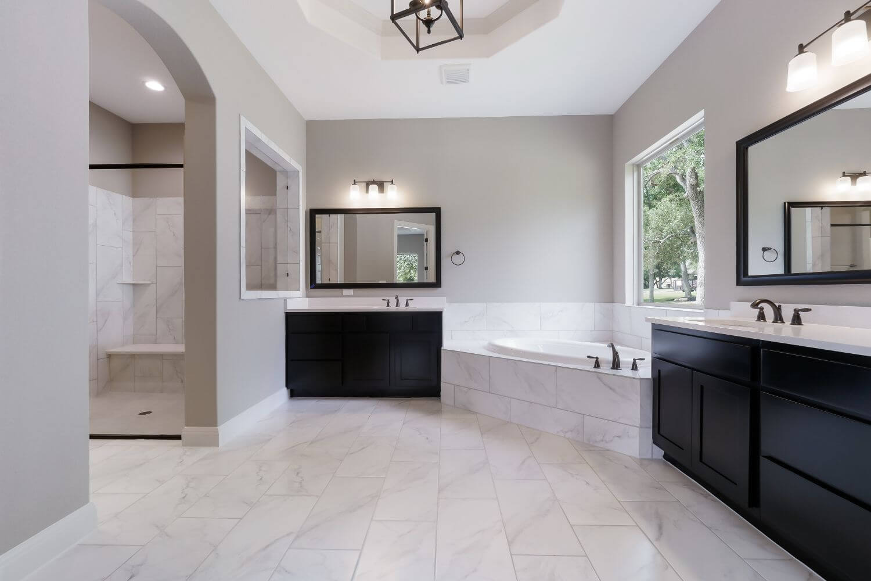 Design 3454 - Master Bathroom