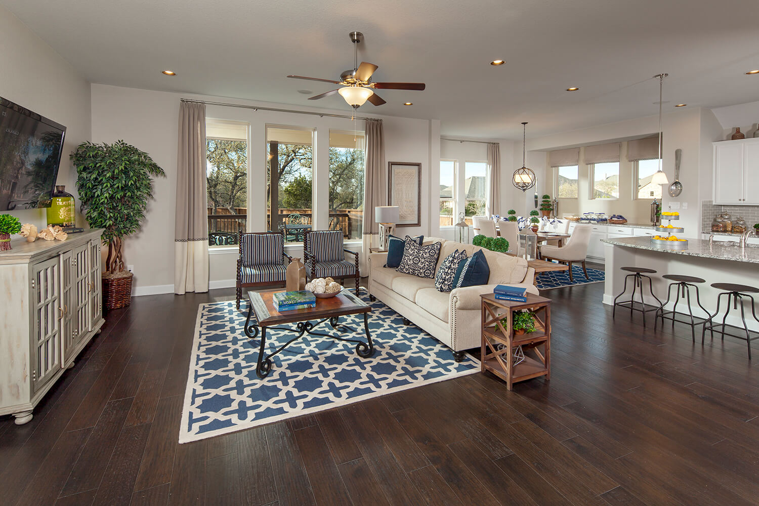 Family Room - Design 2583