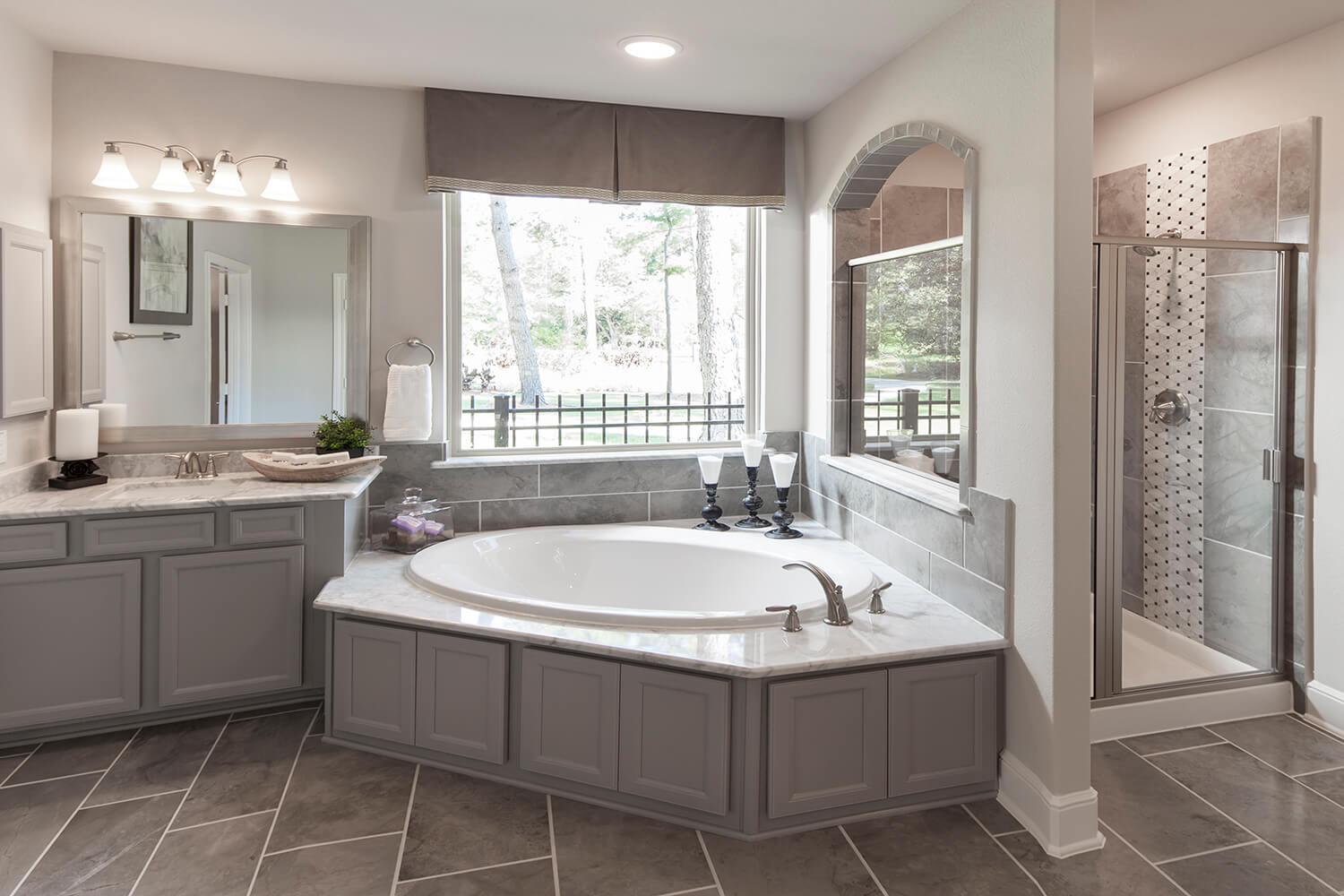 Master Bathroom - Design 6473