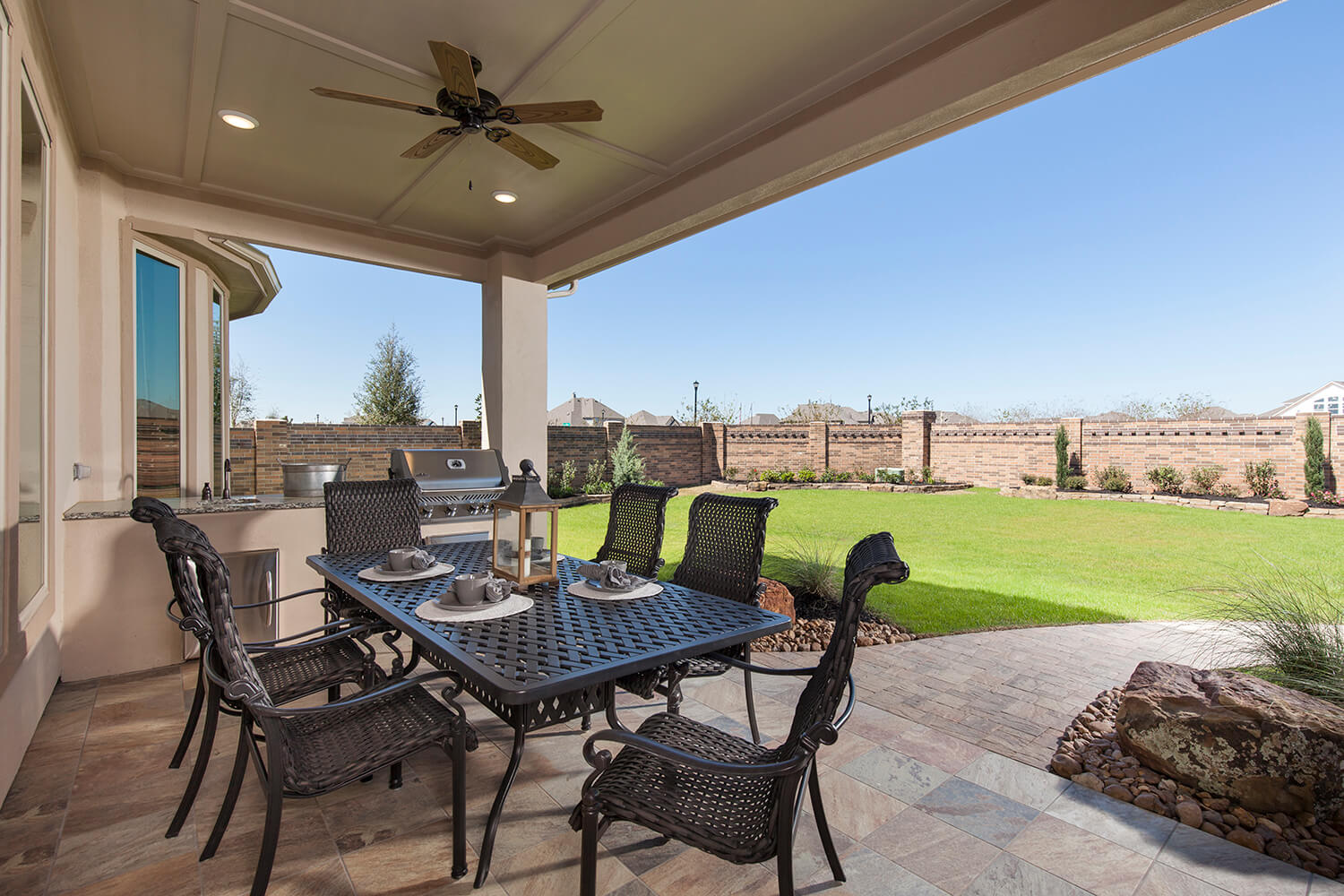 Covered Patio - Design 8286