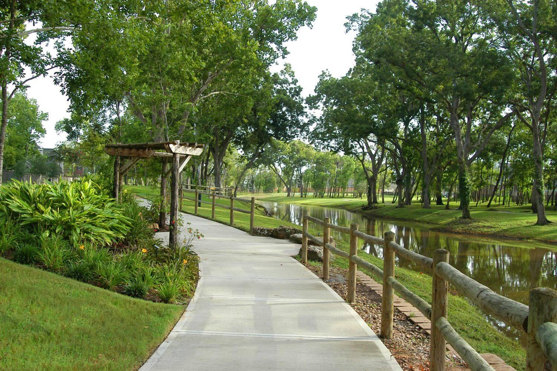 Sienna Plantation - Walking Trails