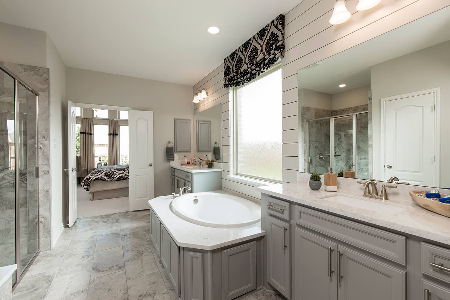 Master Bathroom - Design 5402