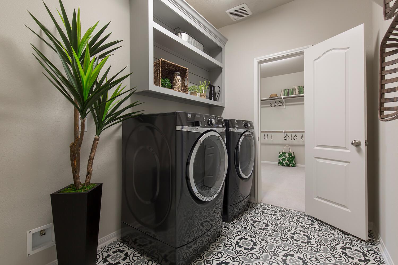 Utility Room/Master Closet - Design 5402