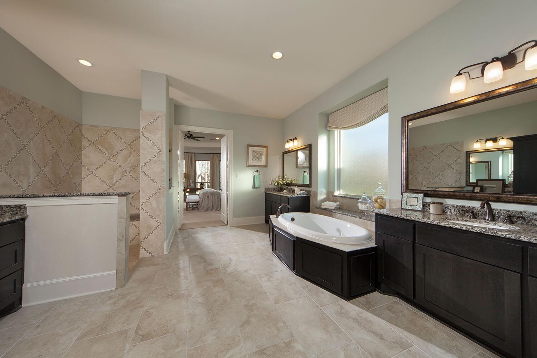 Master Bathroom - Design 8264